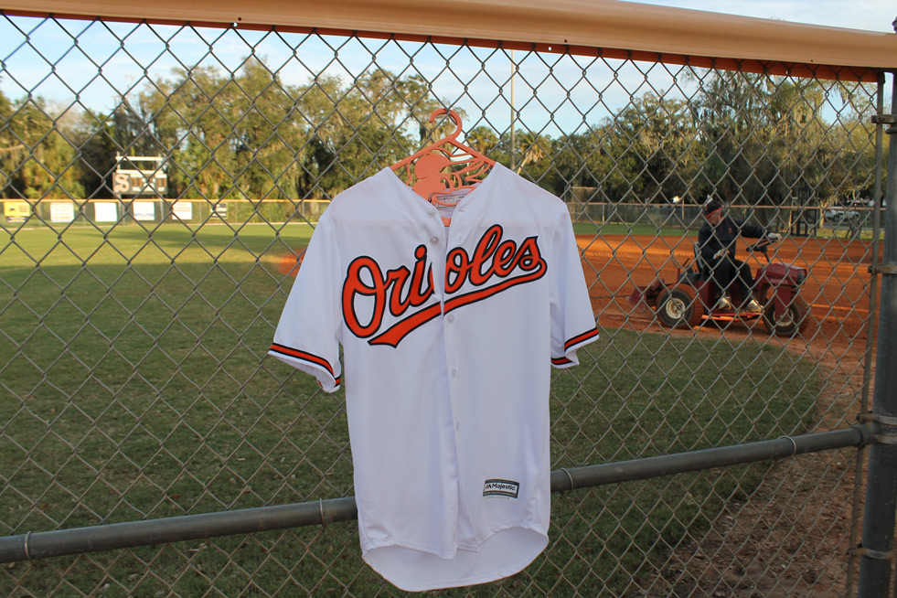 hung_by-baltimore_orioles_jersey_hangers-001